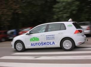autoškola auto s logom